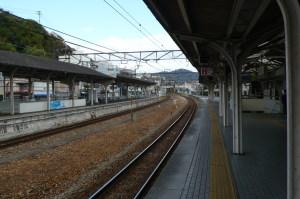 カーブが美しい山陽本線、尾道駅