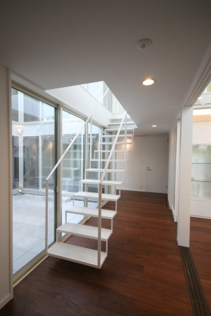 シンプルな階段