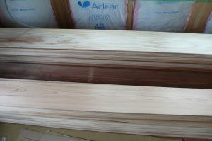 広幅の杉板