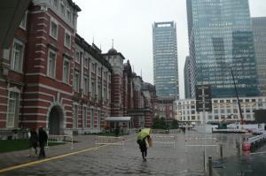 東京駅・雨