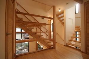 府中の家・階段