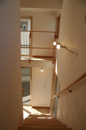 レラハウス階段