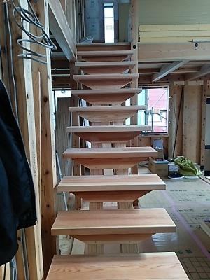 和田の家・階段1